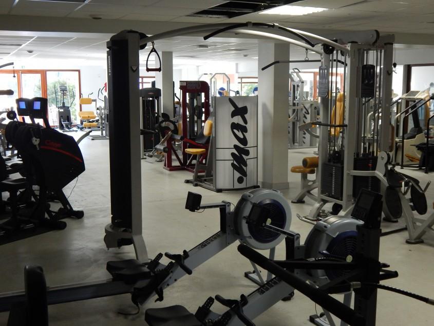 salle de musculation et cardio training tremplin sport. Black Bedroom Furniture Sets. Home Design Ideas