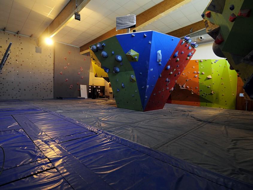 salle d escalade tremplin sport formation tsf voiron. Black Bedroom Furniture Sets. Home Design Ideas
